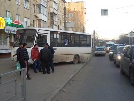 В Твери водитель маршрутки №8