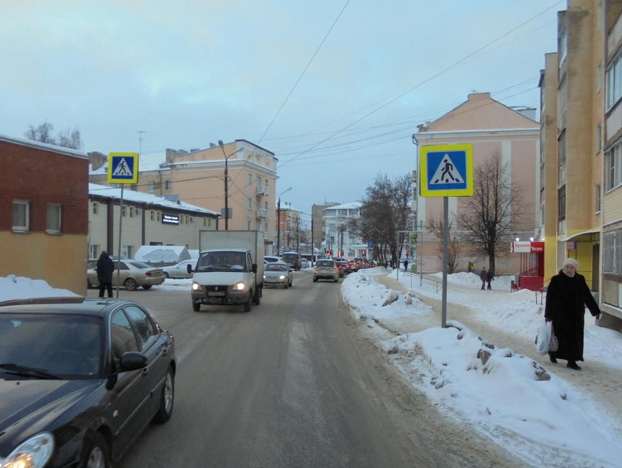 ВТвери 62-летний пенсионер на«Шевроле» сбил 19-летнюю девушку