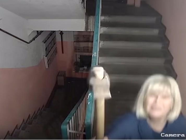 Скрытая камера за супругой
