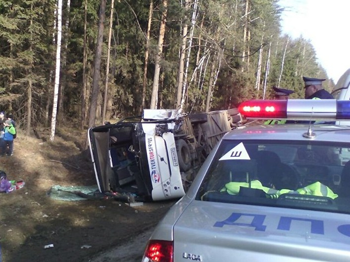 В аварию попал автобус тверь