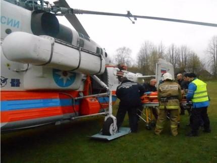 Вертолет МЧС перевез тяжелобольного изКувшиново вТверь