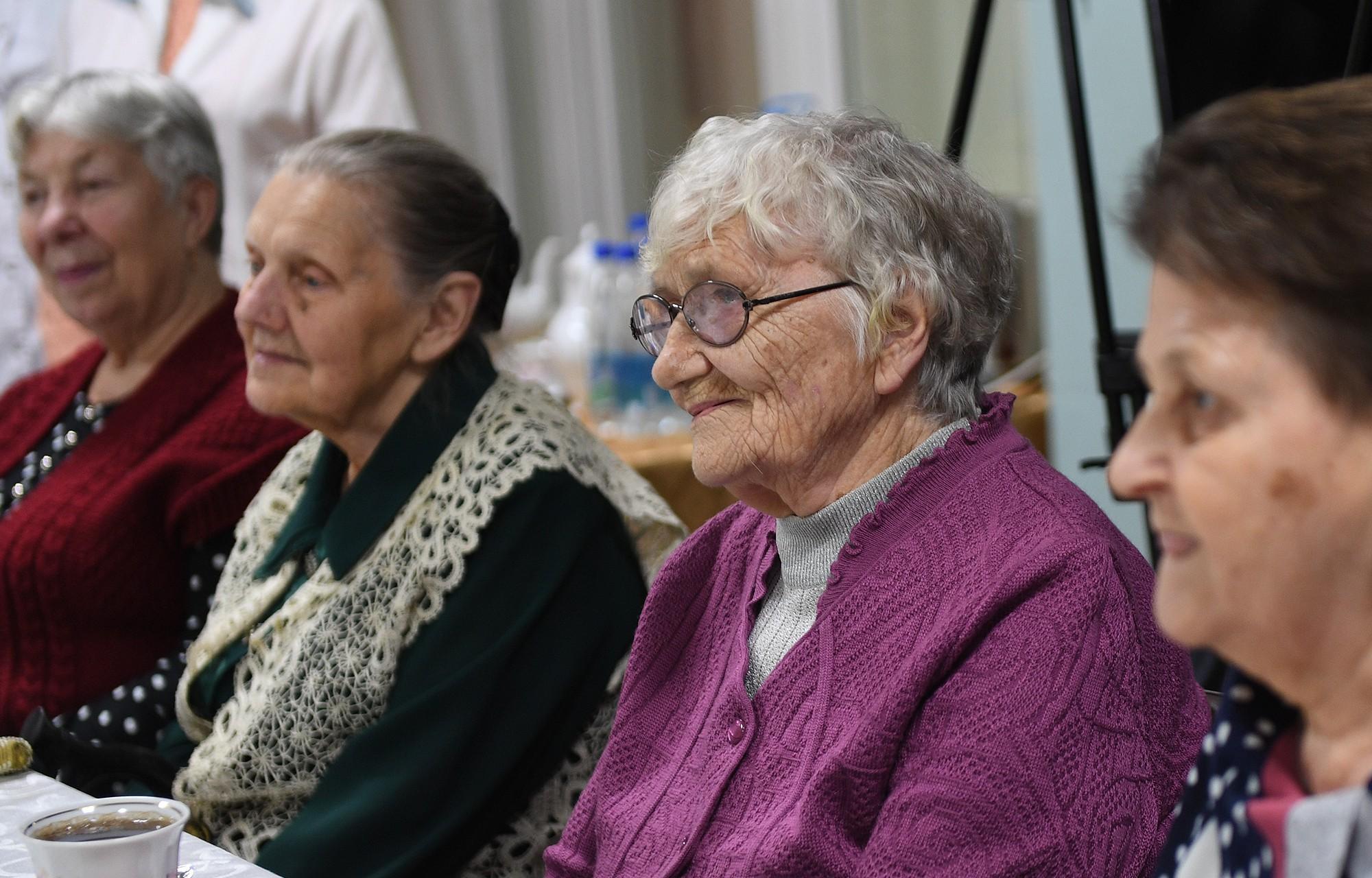 Центр для пожилых людей в твери шахтинский пансионат для престарелых