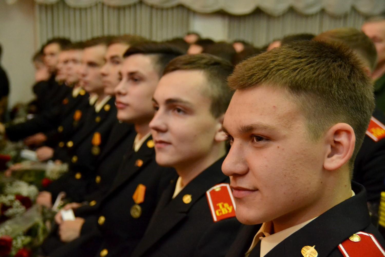 Стрижка в военном училище