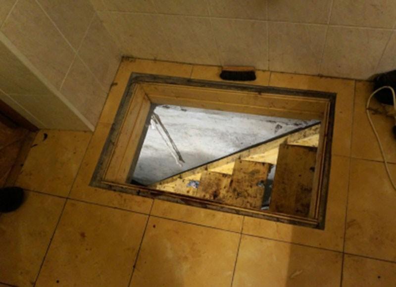 Вход в подвал, где прятал тела