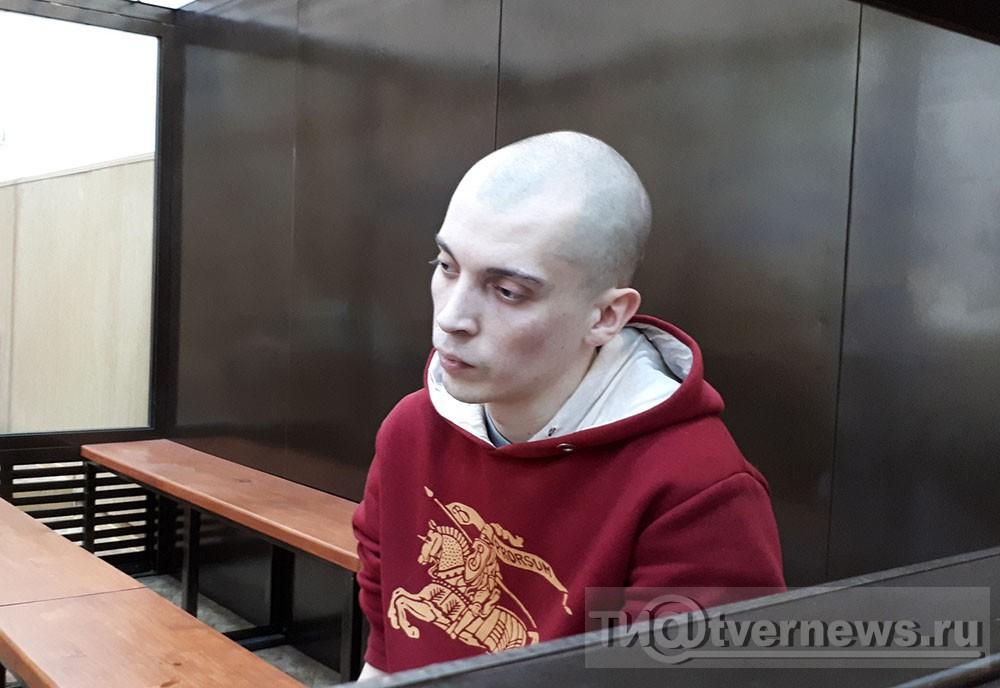 """Присяжные оправдали """"поджигателя из МЧС"""" обвиняемого в 5 убийствах."""