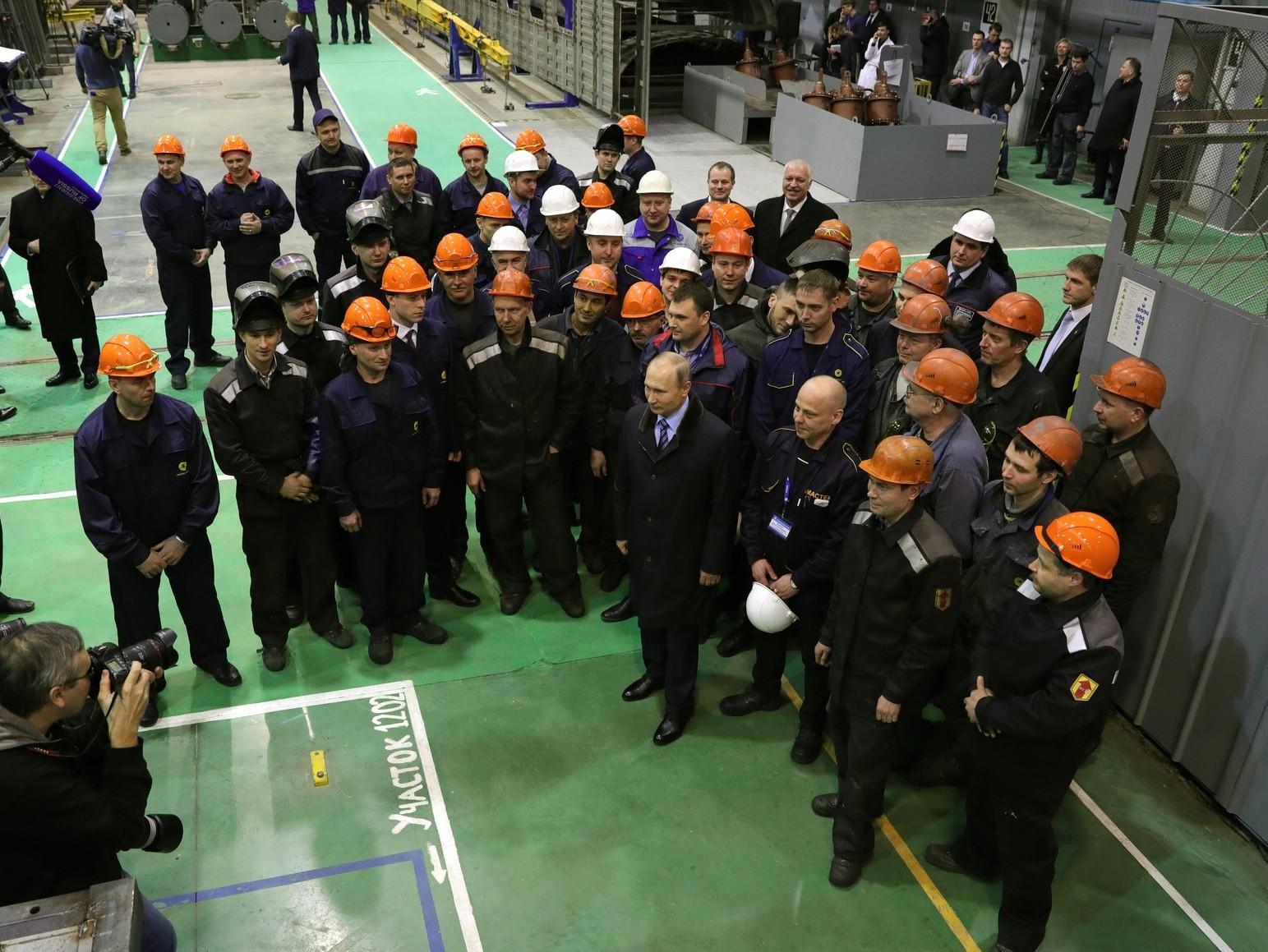 Путин сказал , восколько обойдется новый мост через Волгу вТвери