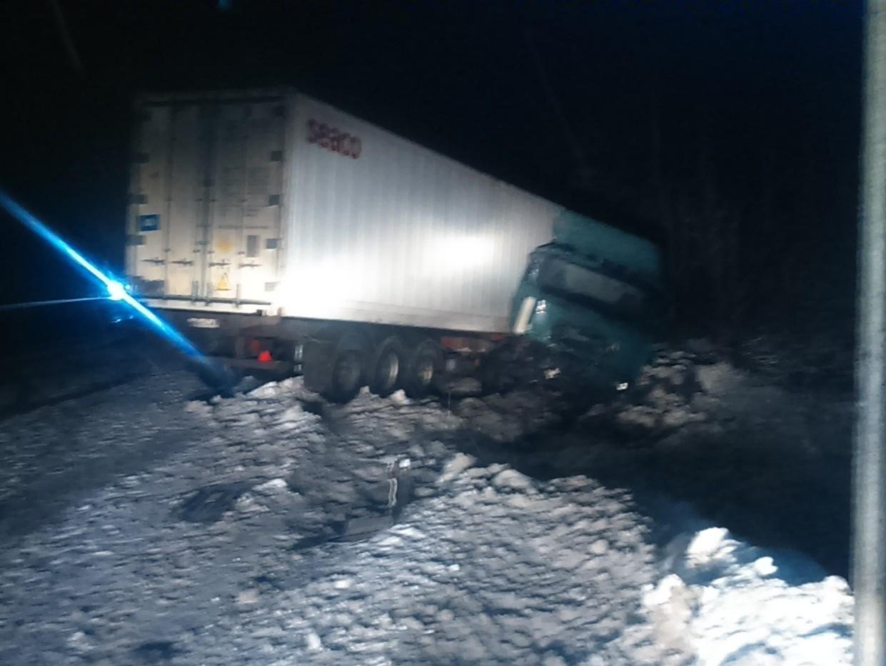 Авария натрассе вТверской области унесла жизни 2-х человек