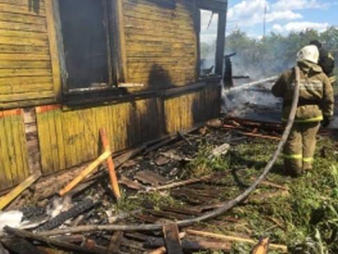 Под Тверью при пожаре  погибла девушка ипострадала пенсионерка