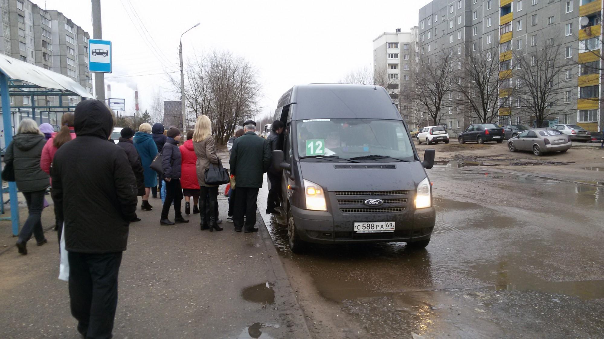Водителям-иностранцам для работы в России надо получить российские права