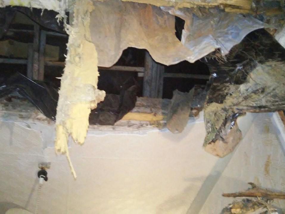 СКначал проверку пофакту обрушения вКимрах потолка вжилой квартире