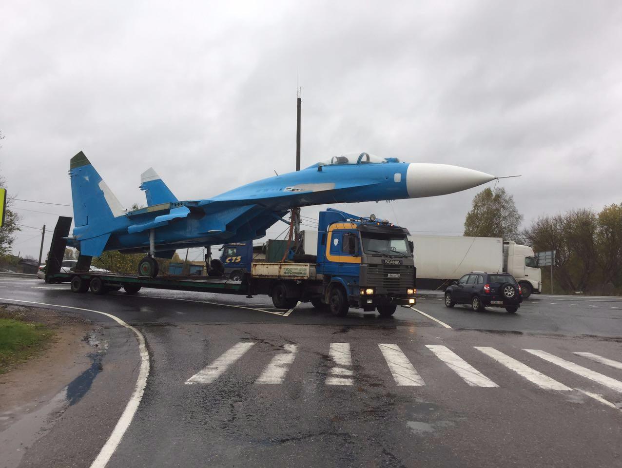 Под Тверью появился монумент истребителю Су-27— Подарок ВКС РФ
