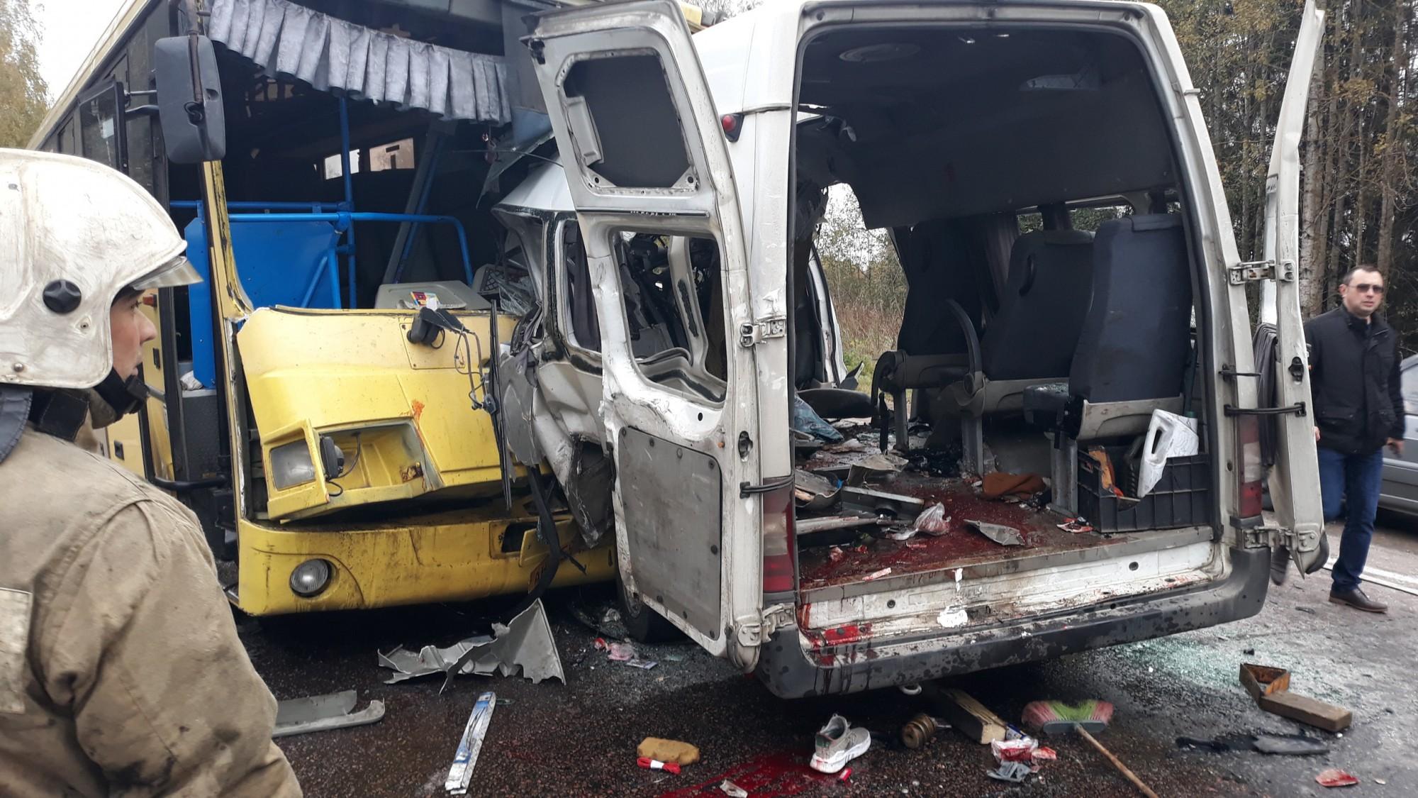 Автобус волга тверь попал в аварию