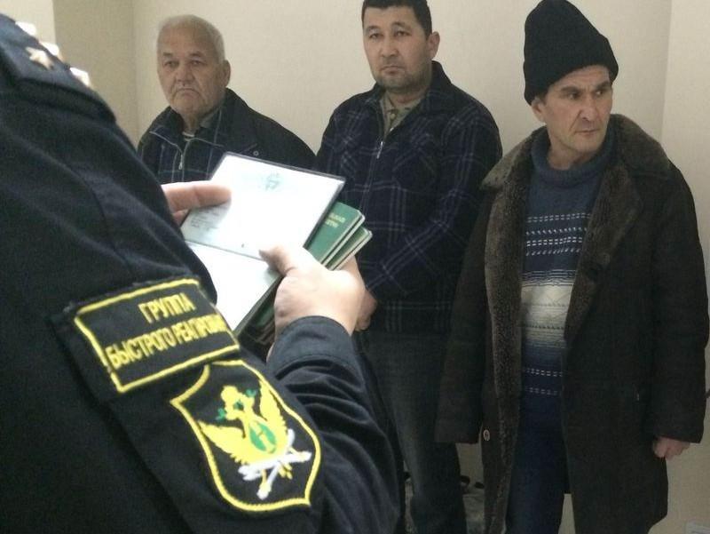 ИзКалининградской области принудительно выдворены 12 жителей Узбекистана