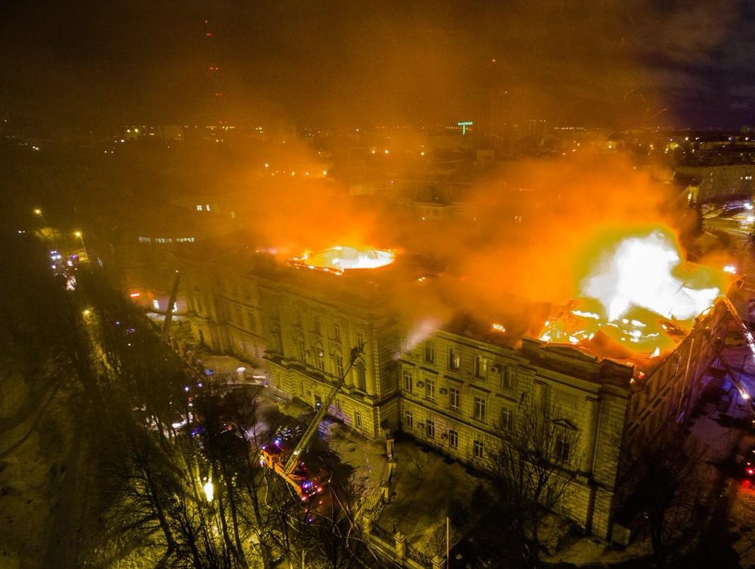 Предпосылкой пожара вДетской ОКБ стал непотушенный окурок