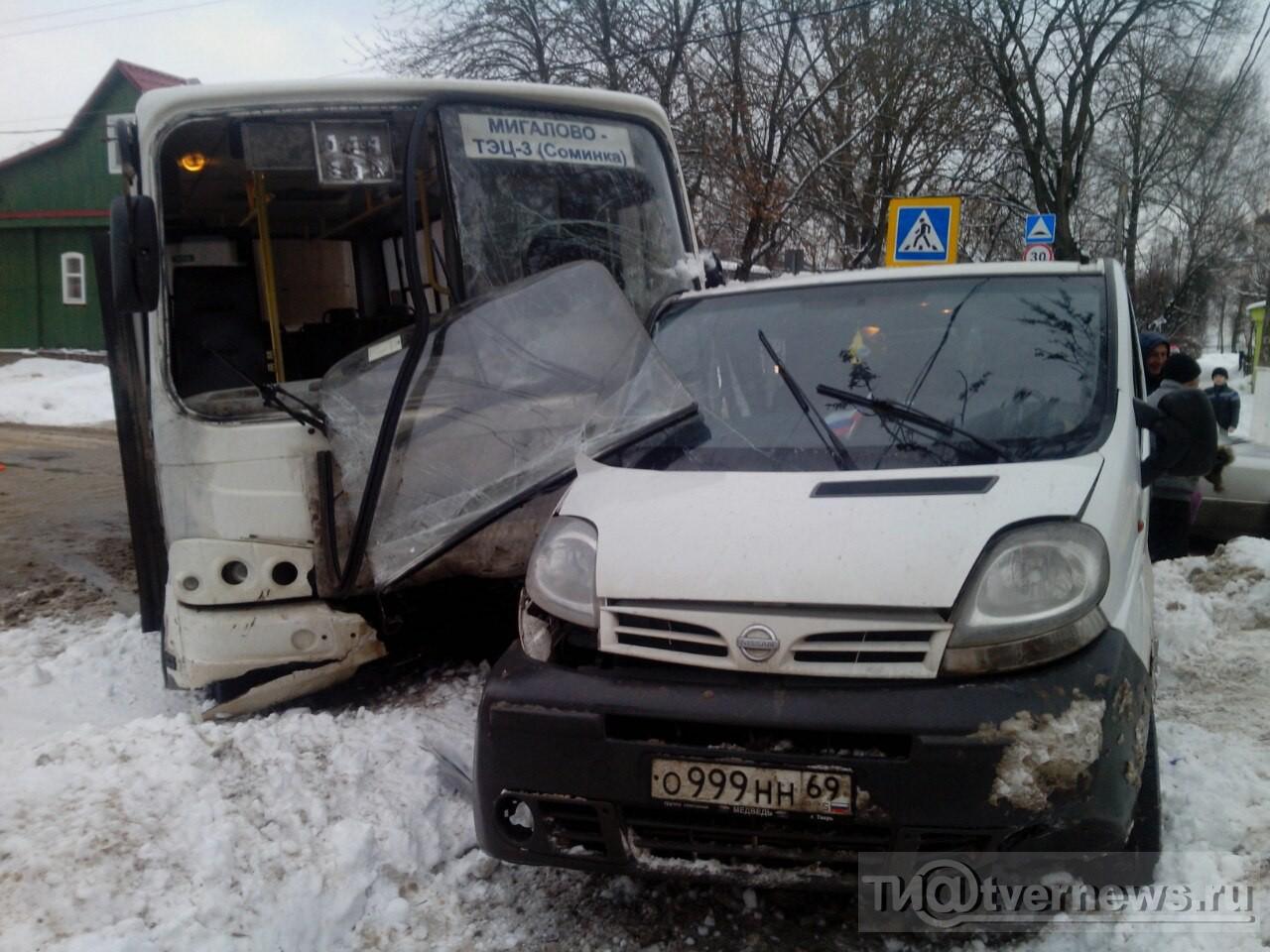 В итоге  столкновения 2-х  маршруток вТвери пострадала пассажирка