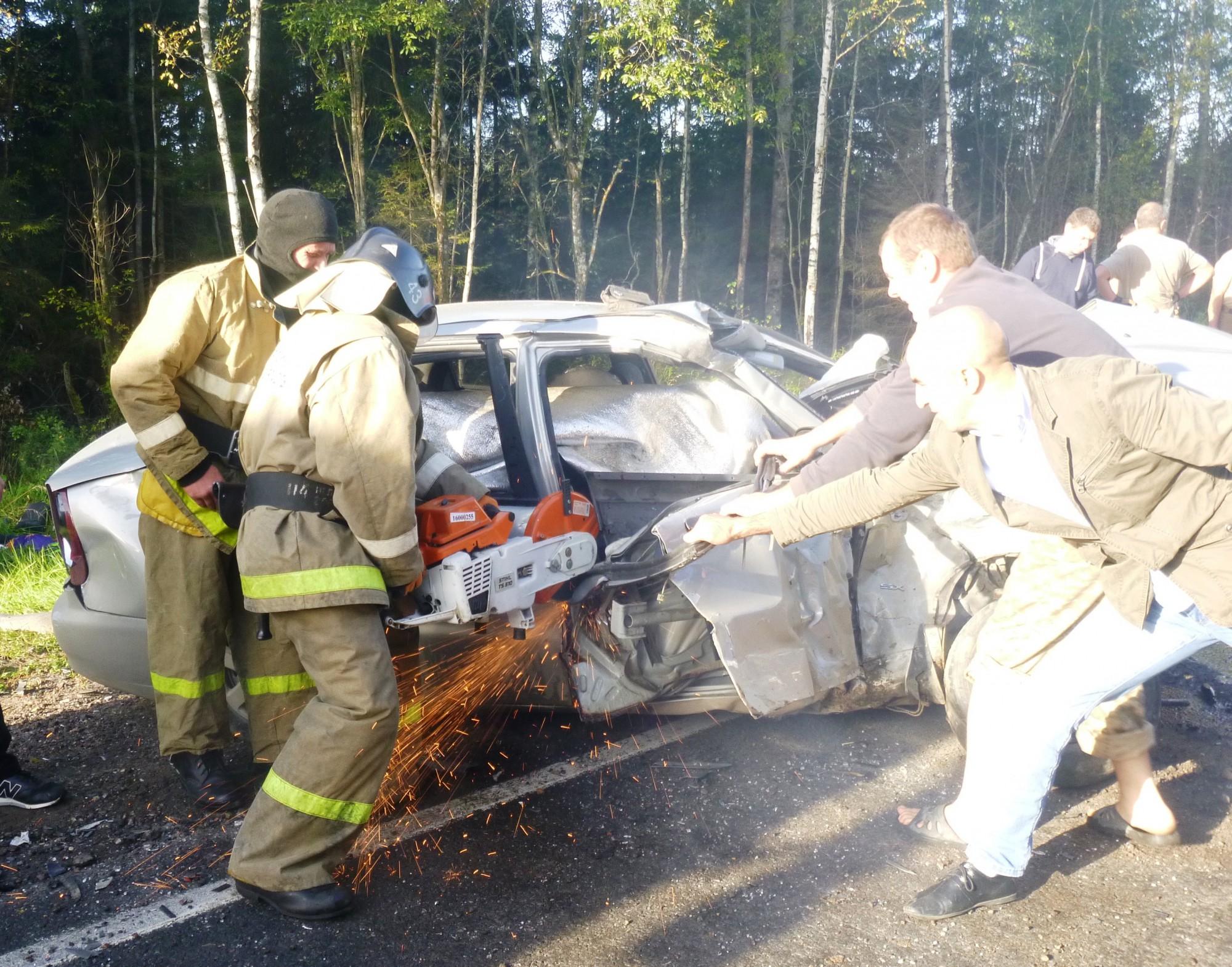 Нафедеральной автотрассе М-9 «Балтия» вТверской области случилось серьезное ДТП